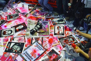 Journalists Protest against rising violence during march in Mexico City